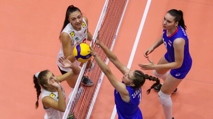 Bulgarians and Russians battle at the net