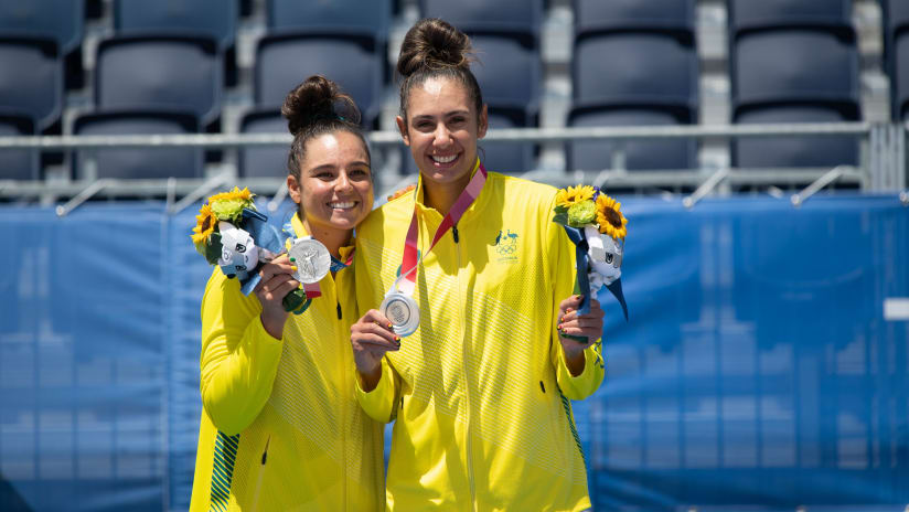 Artacho Del Solar and Clancy with the silver medals