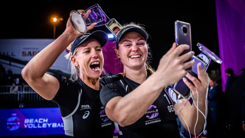 Karla Borger and Julia Sude celebrate