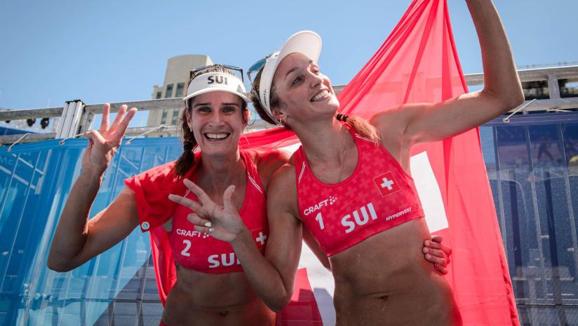 Anouk Verge-Depre and Joana Heidrich celebrate winning bronze