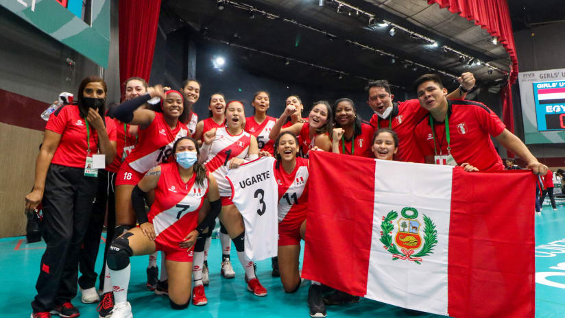 Peruvian players celebrate their come-from-behind victory against Egypt