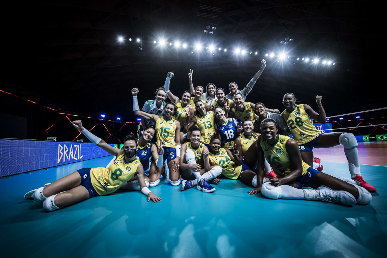 Team Brazil celebrate victory against Russia