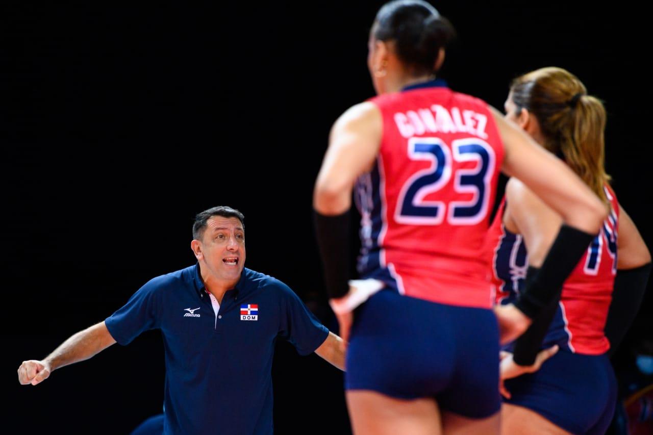 Dominican Republic coach Marcos Kwiek