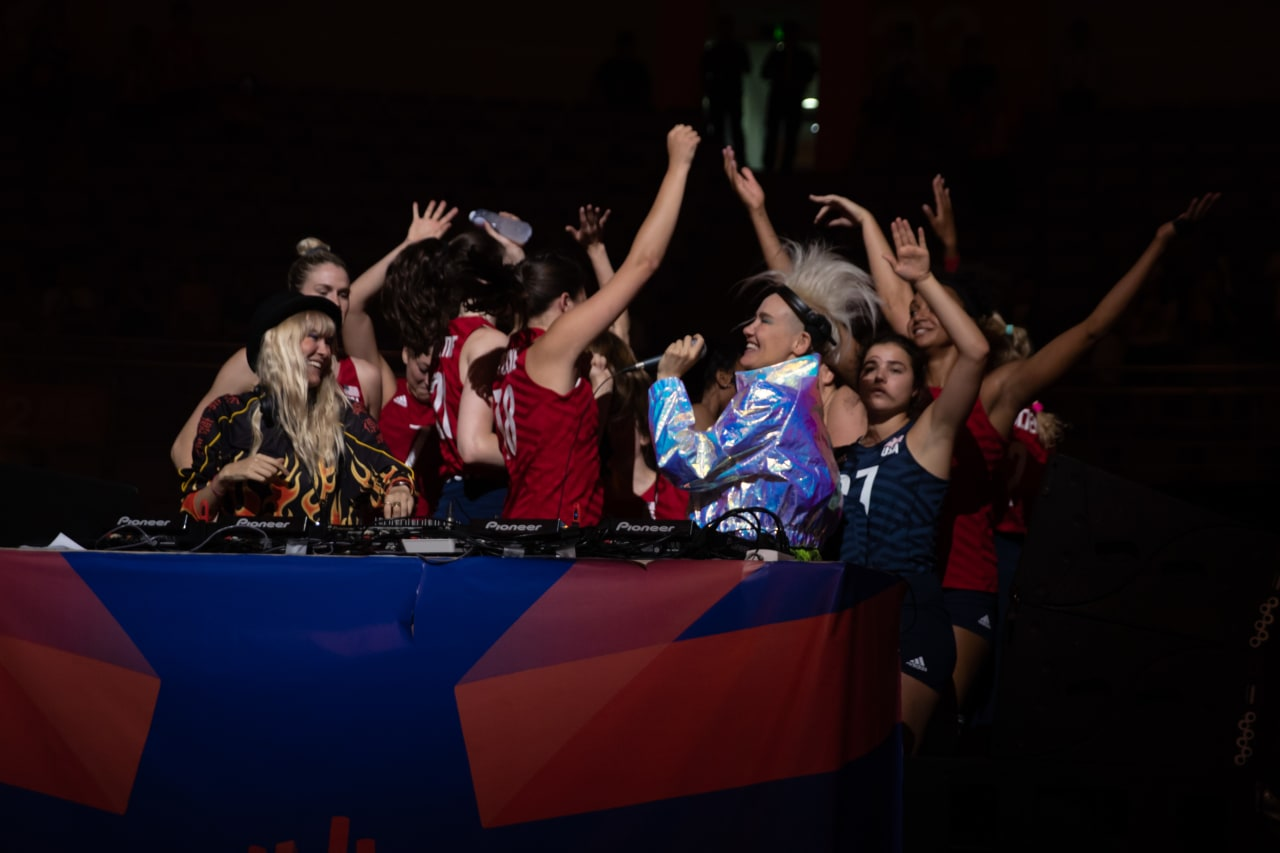 American winners party with the DJs