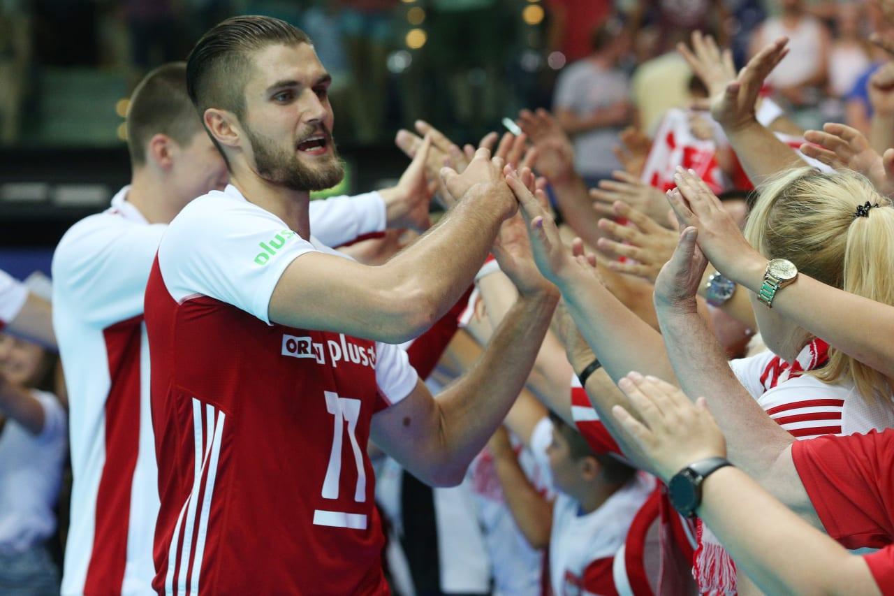 Karol Klos (Poland) greets the fans