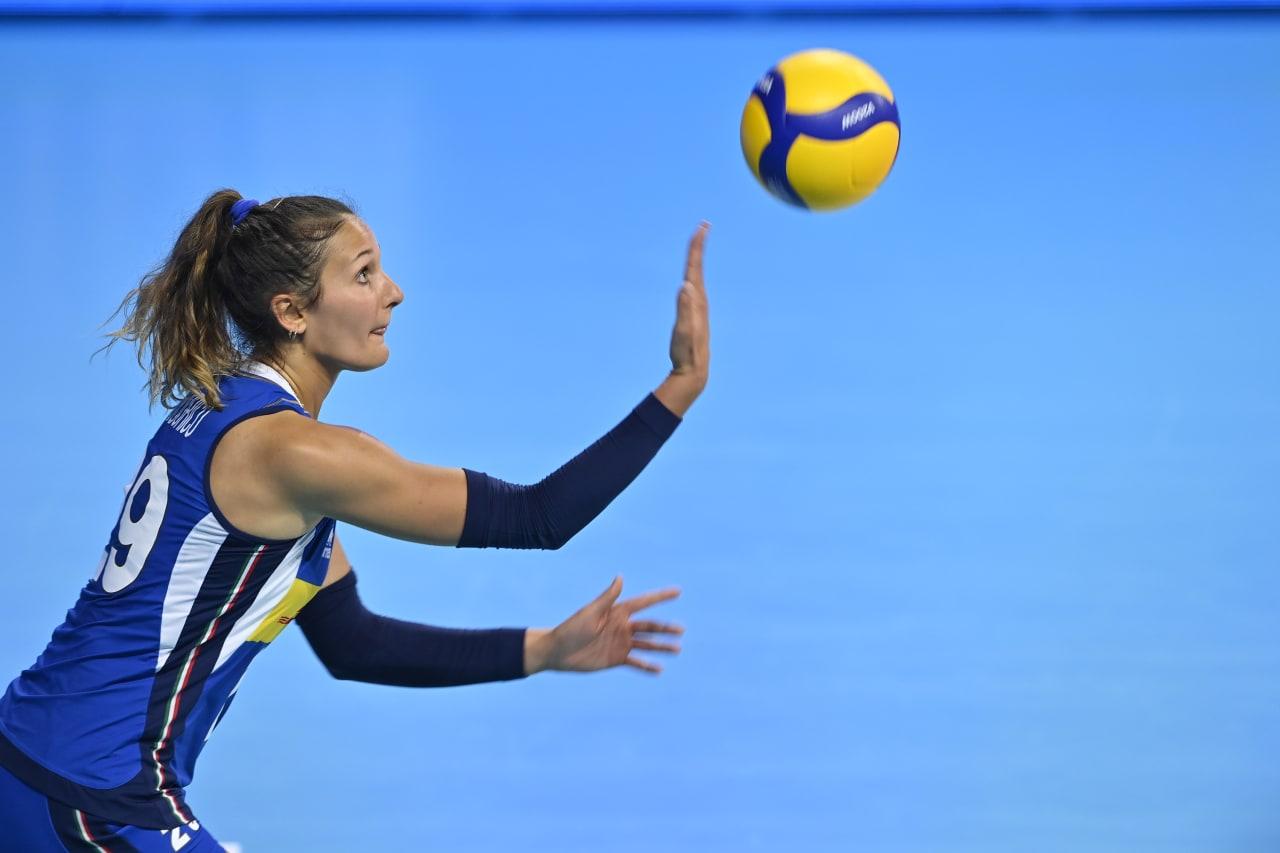 Sofia D'Odorico serves (ITA)