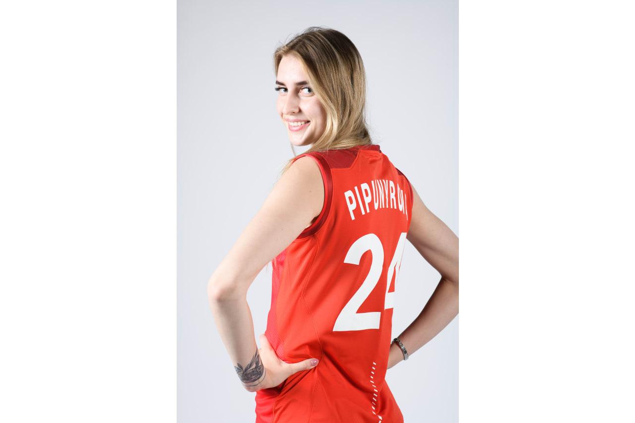 24 - Ekatarina Pipunyrova - back