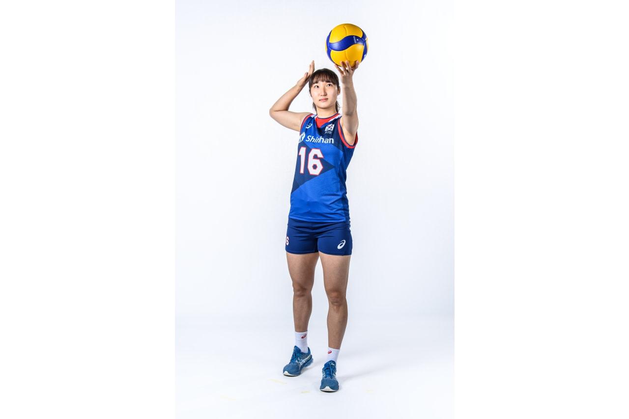 16-Jiyun Jeong - serving