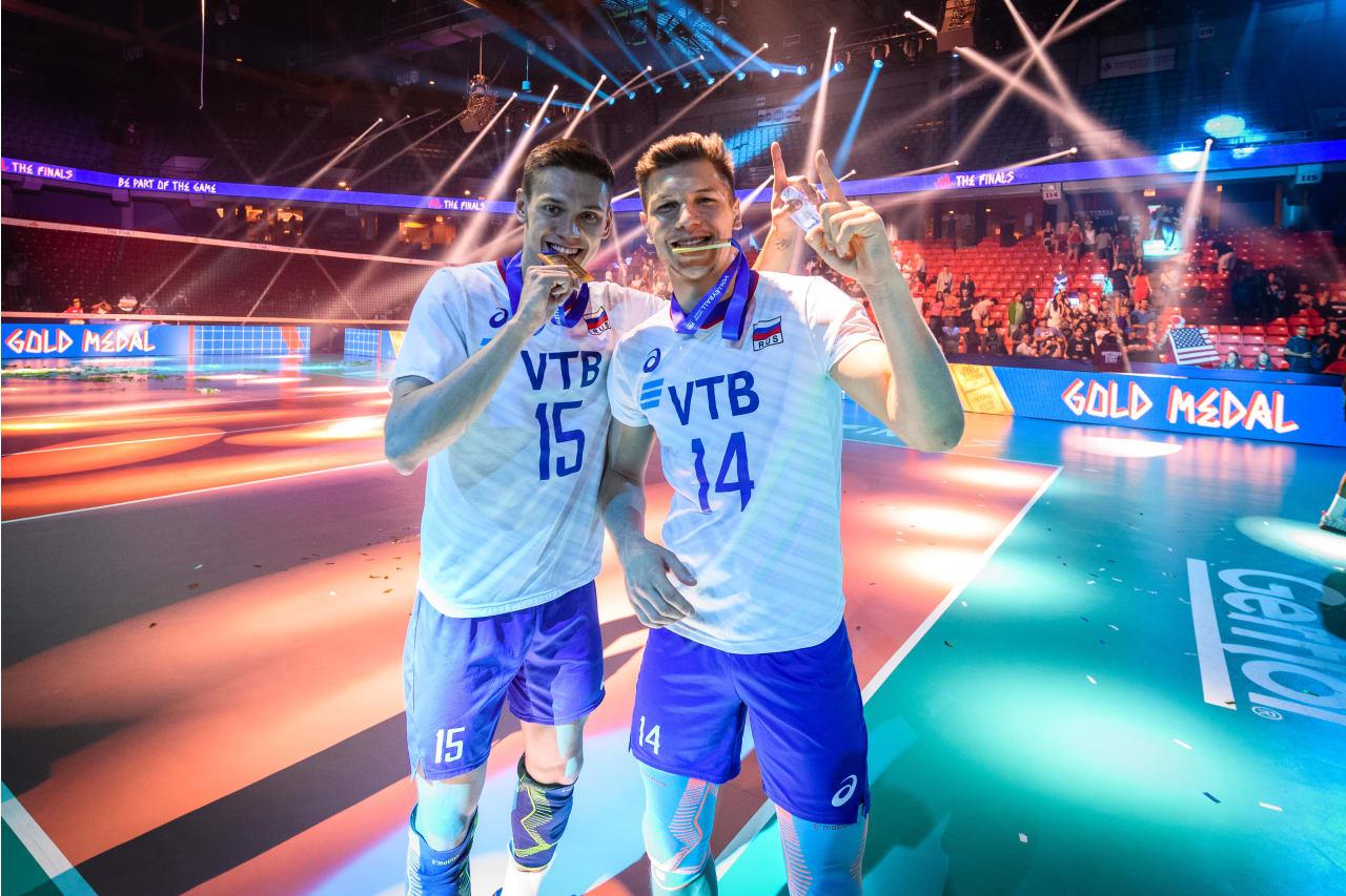 Russia's Victor Poletaev and Yaroslav Podlesnykh enjoy their gold medals