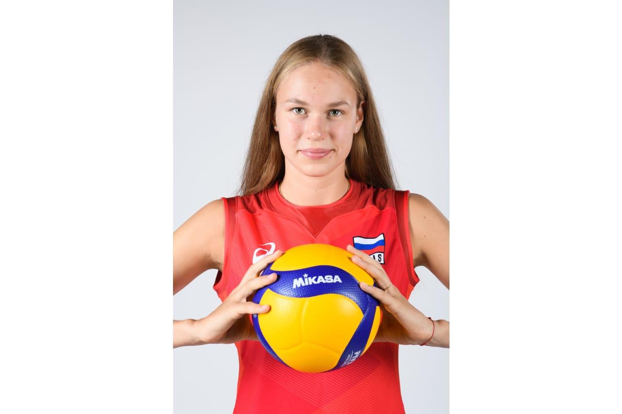 5 - Arina Fedorovtseva - Mikasa ball