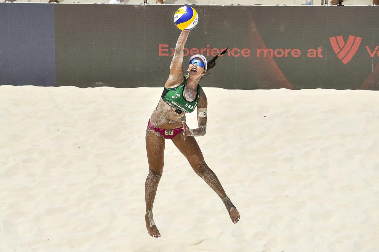 Eduarda Santos Lisboa - Duda (Brazil) serves