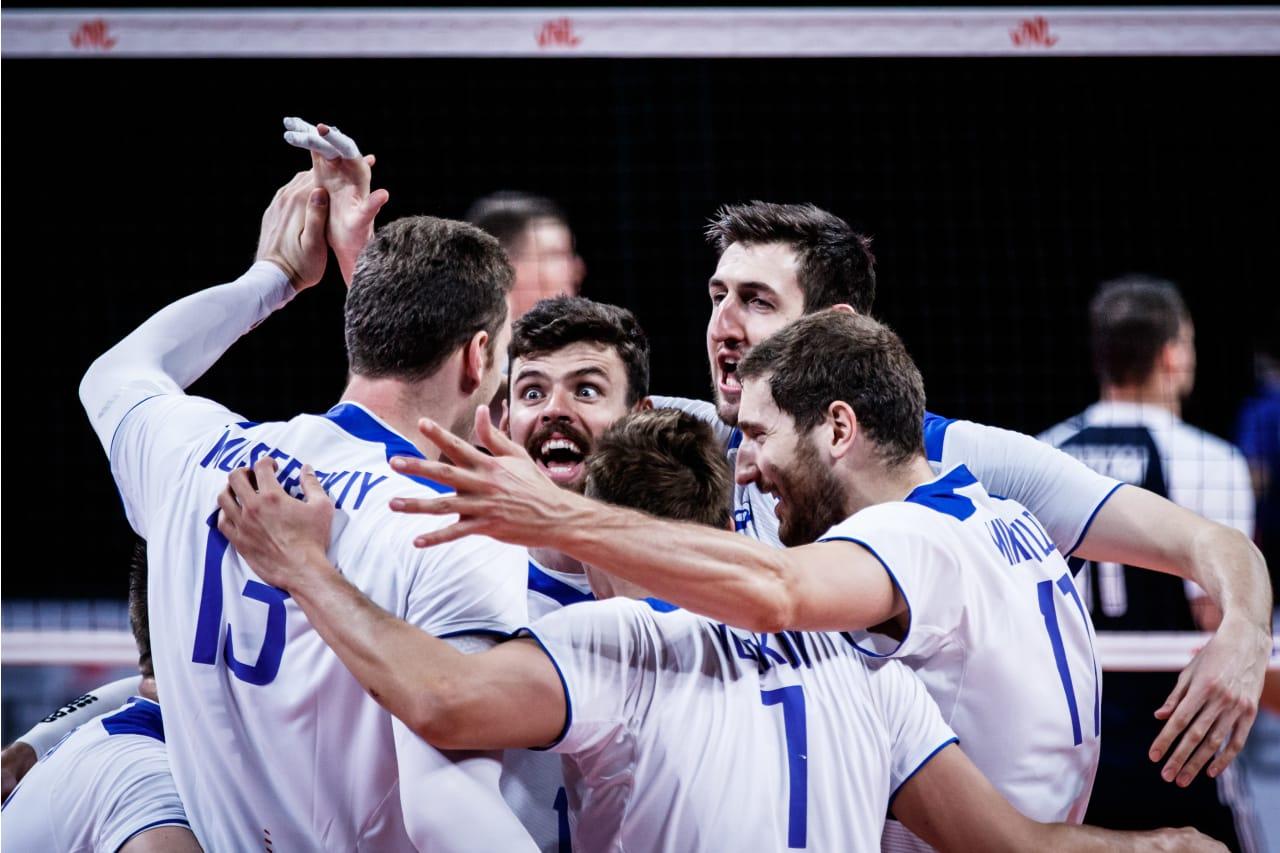 Team Russia huddle
