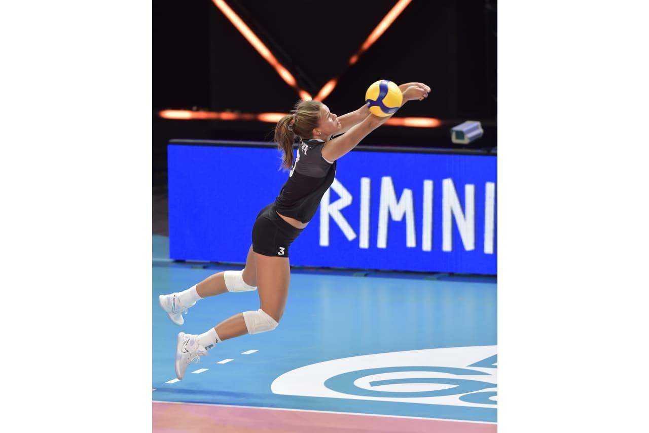 Kiera Van Ryk (CAN)