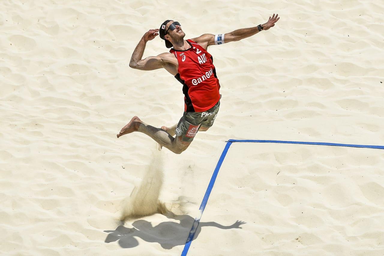 Moritz Pristauz (Austria) jump-serves