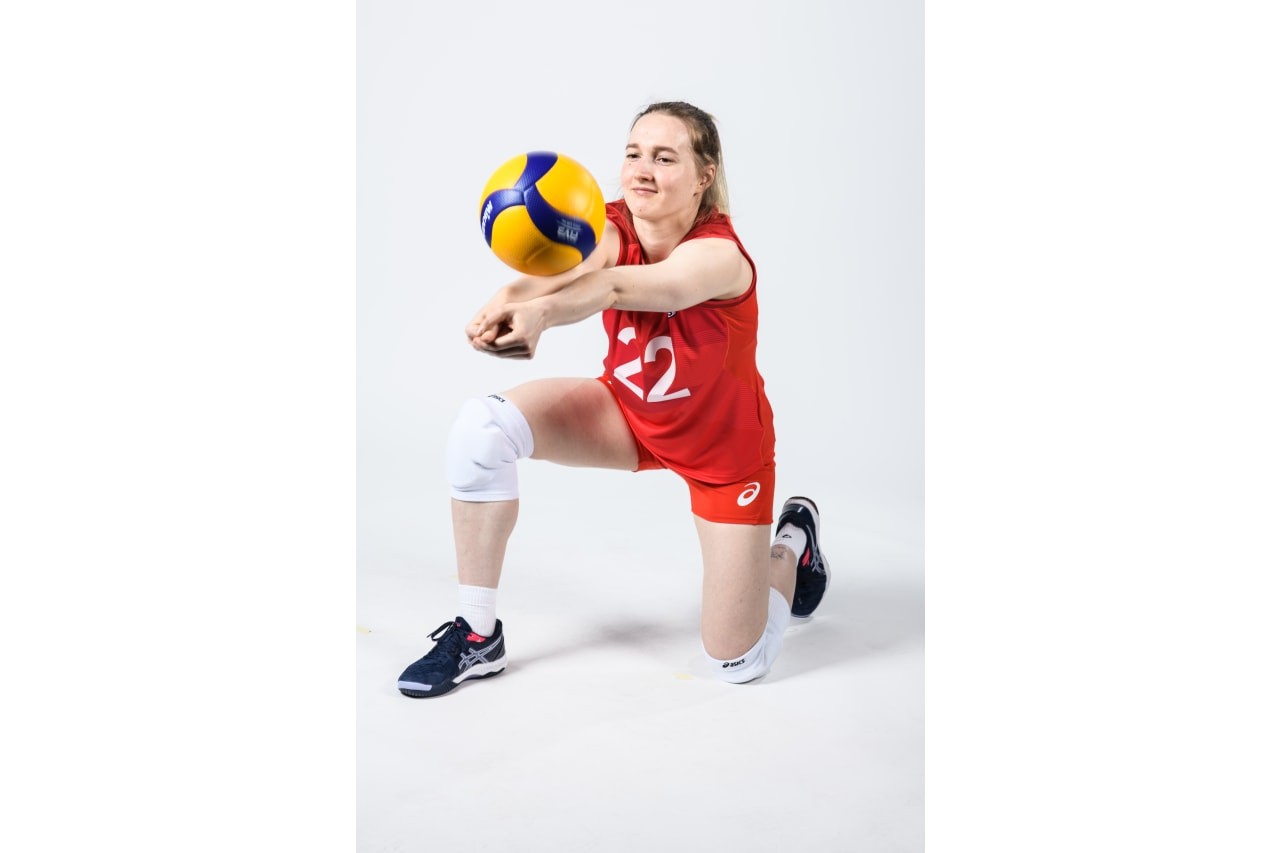 22 - Tamara Zaytseva - receives