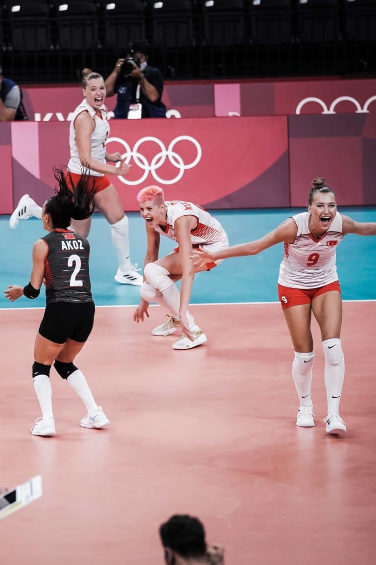 Karakurt-led Turkey turn the heat on Olympic champions in stunning win