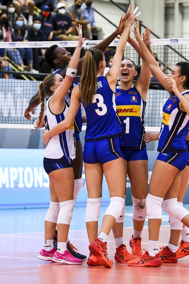 Italy and Turkey advance to quarterfinals
